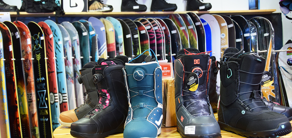 Advice from the pros to help you choose the right snowboarding equipment
